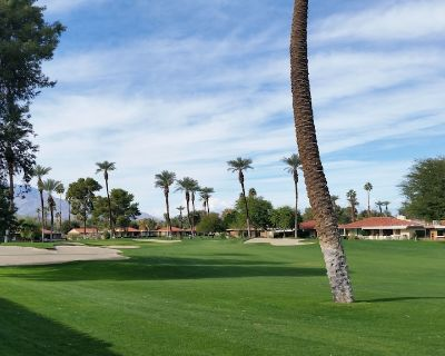 Fully Updated! Enjoy Golf, Tennis and Pickleball. Minutes from World Class Enter - Rancho Mirage