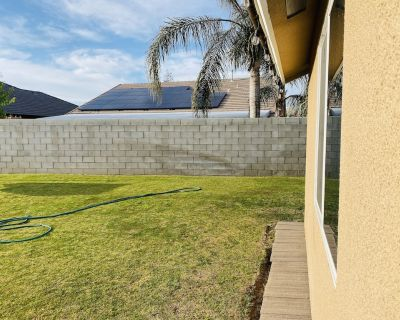 Entire Guest House for a complete luxurious stay . - Bakersfield