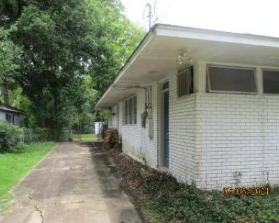 5 Bed 3 Bath Foreclosure Property in Montgomery, AL 36111 - Audubon Rd