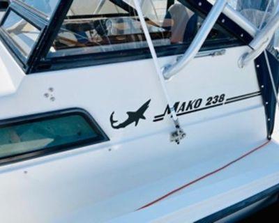 1985 Mako 238 Mako