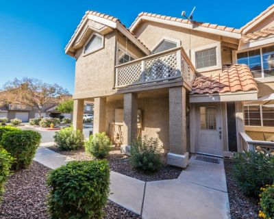 Val Vista Lakes full 2 bedroom Condo, Beach Club Access with great Tennis courts - Val Vista Lakes