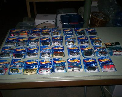 33 hot wheels collectables