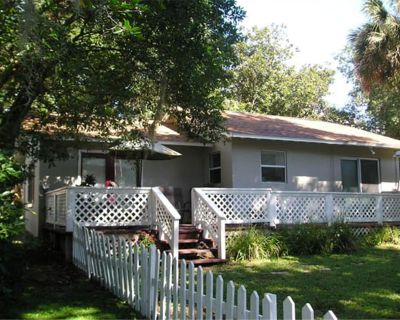 High Hedges Cottage - Close to downtown Mt Dora in quiet neighborhood - Mount Dora