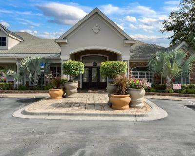 Grandewood Pointe Luxury Apartment Homes