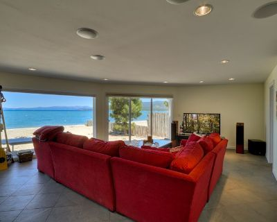 Lakefront Home on Private Sandy Beach, close to Heavenly and Casino's, Pool Table & Foosball - Bijou Park
