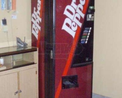 (1) - 1998 Dixie Narco Electrical Soda Vending Machine!!!