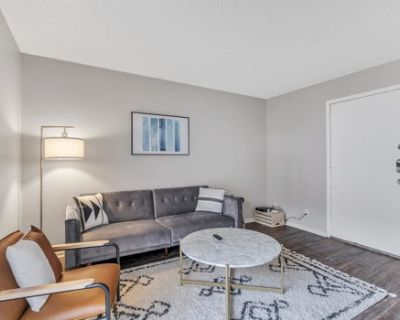 Spacious Suite in the Center of Midland