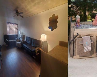 Affordable Plus Apartment & Hot Tub - Trumbull Village