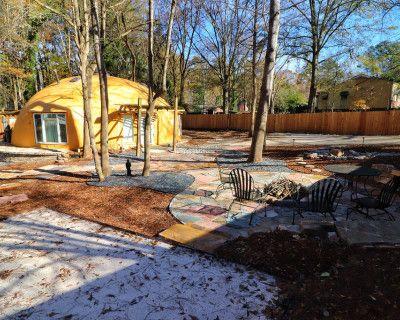 Unique Dome House with outdoor fire-pit, atlanta, GA