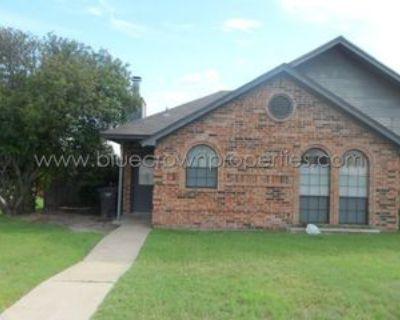 10317 Lone Pine Ln, Fort Worth, TX 76108 3 Bedroom Condo