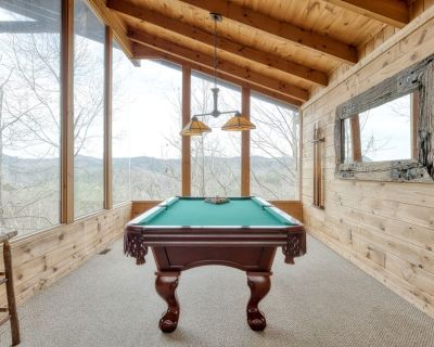 Stately cabin with jetted-tubs, fireplaces, pool table, and majestic views - Pigeon Forge