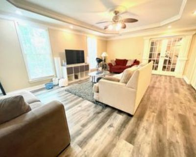 325 Hamilton Park Dr #B1, Roswell, GA 30075 1 Bedroom Apartment
