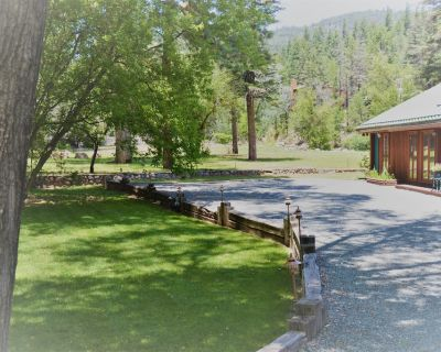 River Hideout: One Bedroom Duplex Cottage ON THE RIVER!! - Ruidoso
