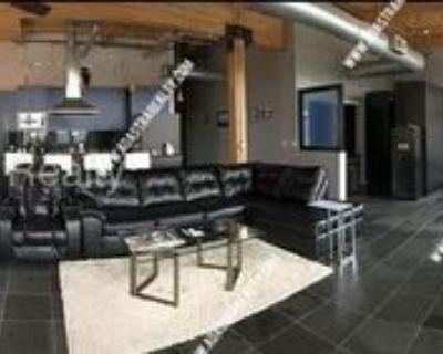 210 W 5th St #301, Kansas City, MO 64105 1 Bedroom Apartment