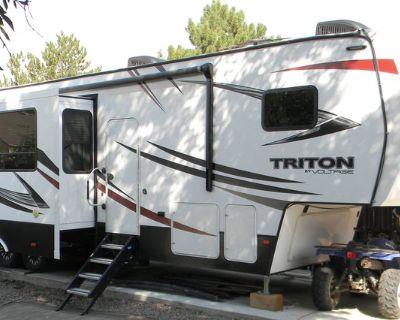 2017 Dutchmen Triton 3551