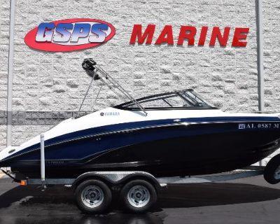 2017 Yamaha Boats 212 Limited