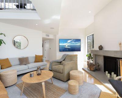 Ocean Park s Best! | Designer Haven | Rooftop Deck, Yoga Room & Home Office - Ocean Park