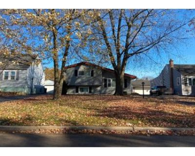 3 Bed 2 Bath Preforeclosure Property in Wood Dale, IL 60191 - N Maple Ave