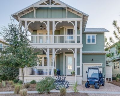 Backyard Fire-Pit! Pool*, 4 Bikes! 6-Seater Golf Cart! Beach*-Blue Moon Cottage in Naturewalk 30A - Seagrove Beach