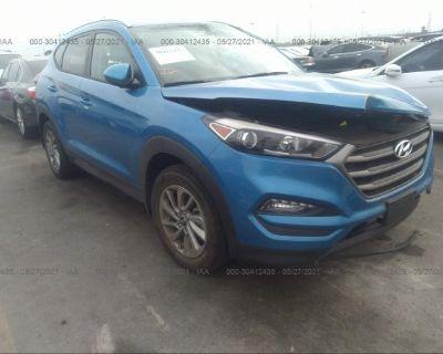 Salvage Blue 2016 Hyundai Tucson
