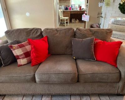 50% off Last Day Saturday Quaker's Landing Estate Sale by Get Rid of It...Estate Services