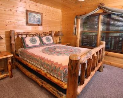 Estate of Relaxation - Nine Bedroom Cabin - Pigeon Forge