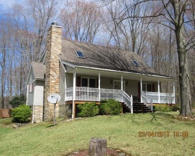 Privately Located Home Is Located On The Golf Couse In A Resort Community - Treasure Lake
