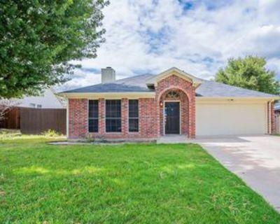 812 Voltamp Dr, Fort Worth, TX 76108 3 Bedroom Apartment