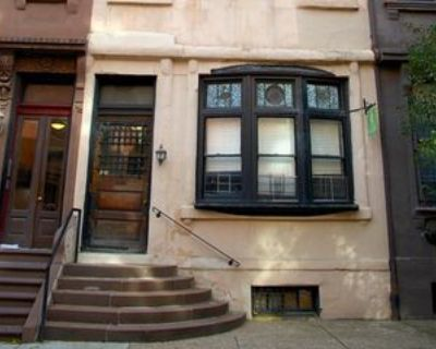 1530 Pine St #3F, Philadelphia, PA 19102 2 Bedroom Condo