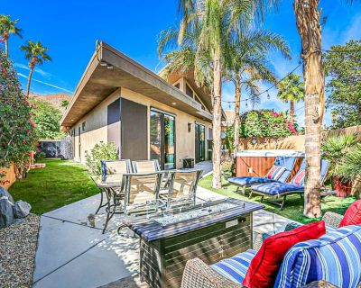 Stylish townhome w/ private hot tub, east-facing patio, & great location! - Chino Canyon