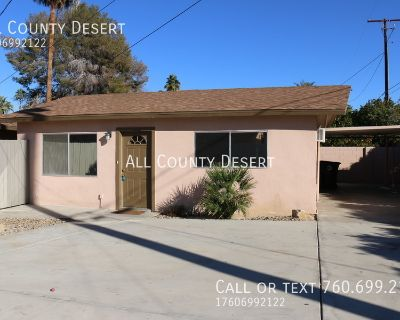 Adorable 2BR/1BA Unfurnished Duplex Unit Available for Long Term Lease in Palm Desert