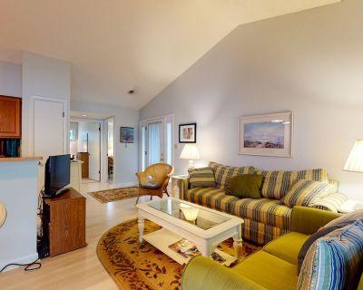 Sea Colony Tennis 1st floor condo w/ shared sauna, basketball court/tennis court - Bethany Beach