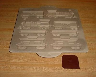 Pre-Owned Pampered Chef Family Heritage Stoneware Non-Stick Gingerbread Home Town Train Mold Complete With Nylon Pan Scraper. All Aboard...