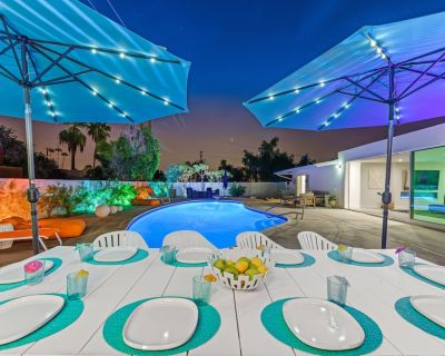 Brand NEW LISTING!! Mid Century Vibes with Lots to do!! hosted by ESCAPE - Indian Wells
