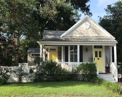 """""""BIG DOG"""" friendly, beautiful historic cottage with pool - Bay St Louis"""