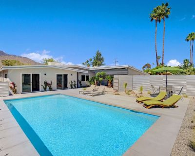 Newly Remodeled Home With Private Pool & Mountain Views - Palm Springs