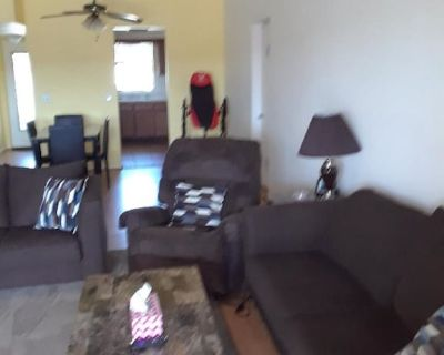 , .5 miles Cape coral center, shopping, restaurants and bars walking distance - Caloosahatchee