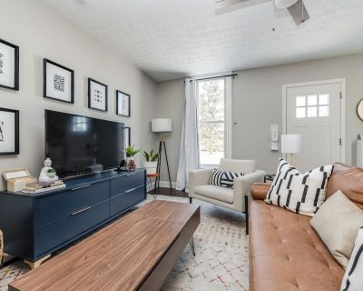 Downtown modern cottage close to Lucas Oil | Washer + Dryer | Wifi - Center Township