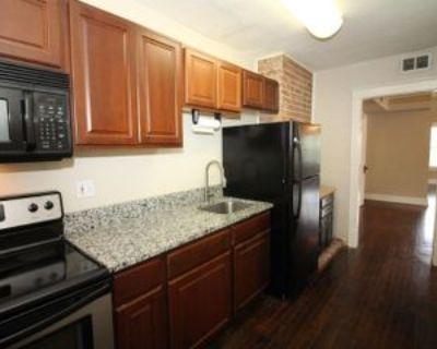 1319 W 39th St, Kansas City, MO 64111 1 Bedroom Condo