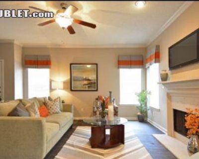 Holly Hall Harris, TX 77054 2 Bedroom Townhouse Rental