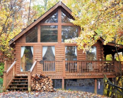 Wild Turkey 2 Bedroom 2 Bath located in Gated Community - Pigeon Forge