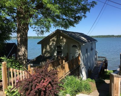 A Cayuga Lake getaway, perfect for a romantic couple, or great for the family - Seneca Falls