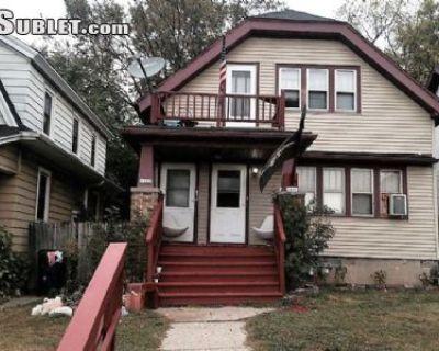 $730 2 single-family home in Milwaukee