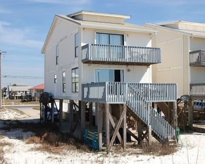 Awbrey is a Gulf Shores Beach House Rental With a Gorgeous View of the Beach! - Gulf Shores