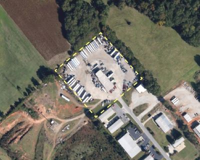 5,332 SF Industrial on 3.69 acres