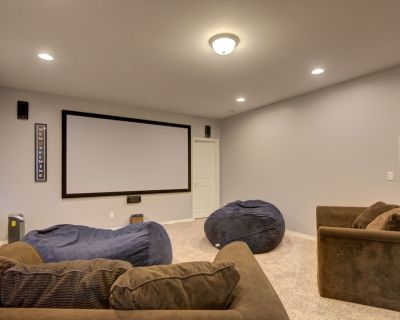 Theater/Game Room,7Br/5Bath, 2 Masters, Pool Table - Fountain