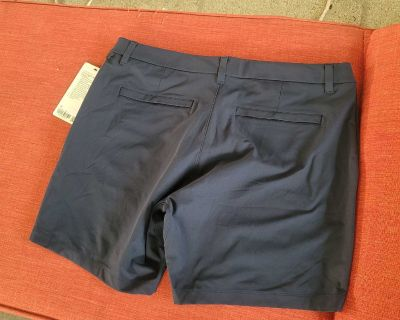 NEW SIZE 36 LULULEMON SHORTS LOCATED IN WILDOMAR BUT WILLING TO MEET IN MENIFEE XPOST