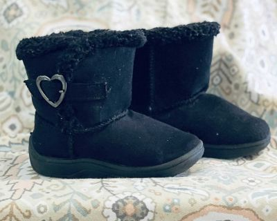 Toddler Ugg-style boots size 5