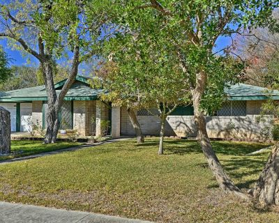 NEW! N. San Antonio Family Home, 8 Mi to Airport - Vance Jackson