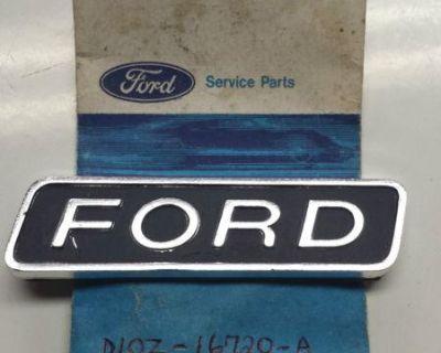 """1971 Torino Cobra Hood """"ford""""badge Nos"""